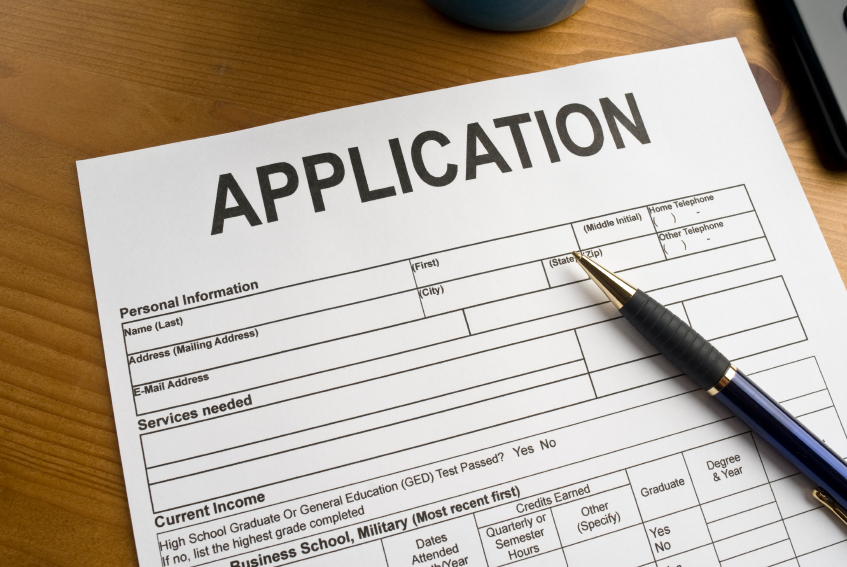 Q: How do property managers choose between applicants?