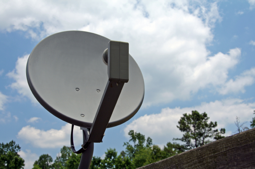 Q: Can HOAs regulate residents' satellite dishes?