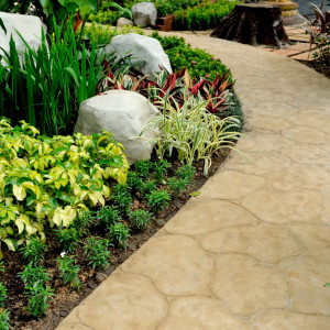 13 Ways to Enhance Your HOA's Curb Appeal